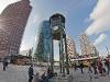 Postdamer Platz - zabytkowa wieża sygnalizacji świetlnej